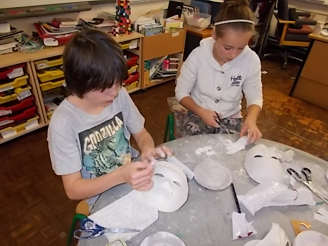 making Haloween Masks 004